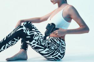 Sportler nutzen Massagepistolen täglich zur Regeneration